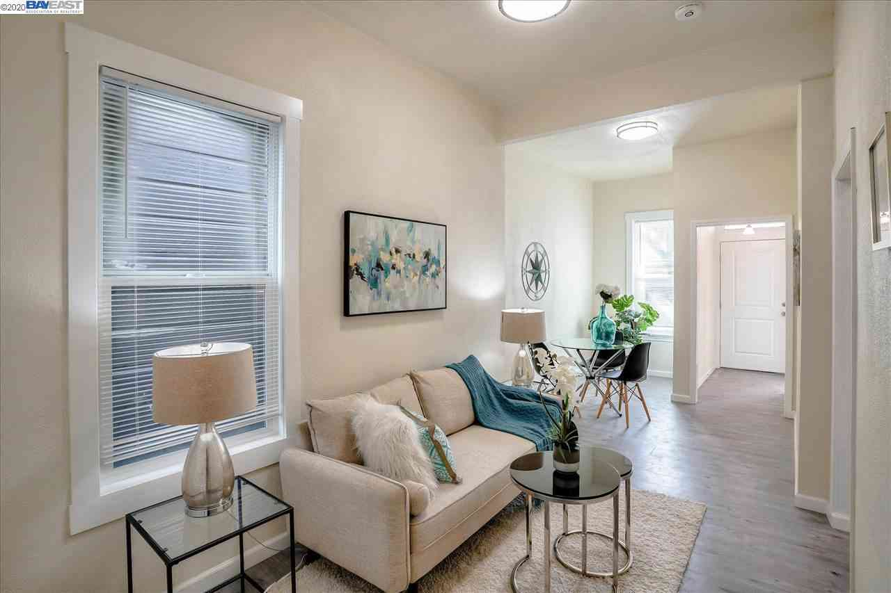 Sunny Living Room, 182 6Th St, Oakland, CA, 94607,