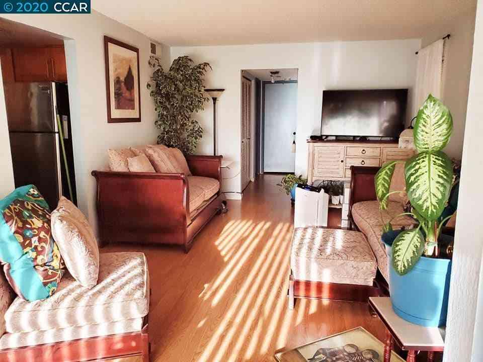 Sunny Living Room, 15 Las Moradas Cir, San Pablo, CA, 94806,