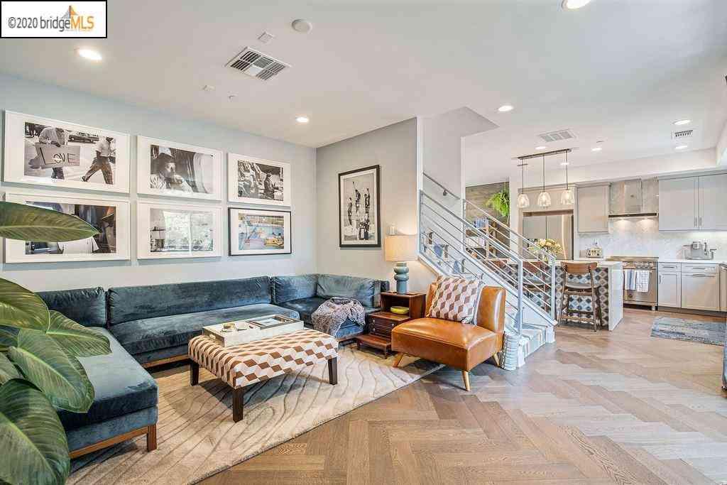 Sunny Living Room, 2341 Myrtle Street, Oakland, CA, 94607,