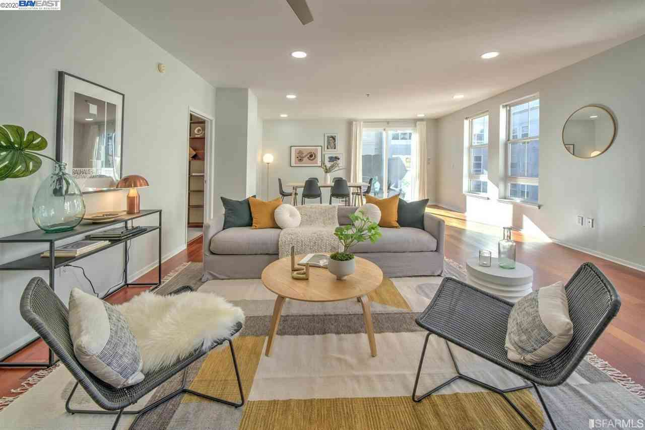 Sunny Living Room, 821 Folsom Street #409, San Francisco, CA, 94107,