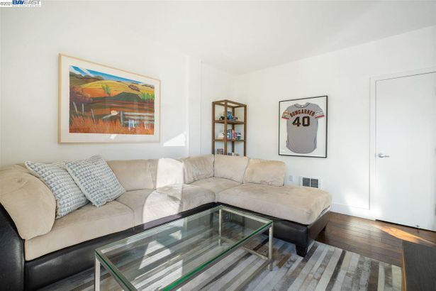 438 West Grand Ave #401