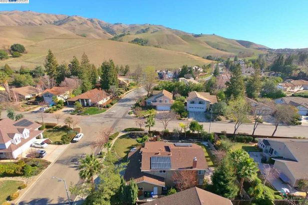 46789 Rancho Higuera Rd