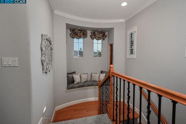 4011 Lilac Ridge Rd