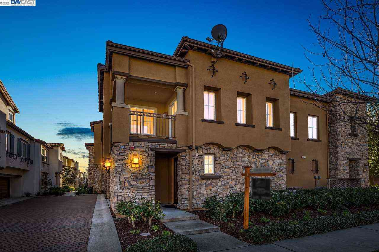 627 Selby Lane #2, Livermore, CA, 94551,
