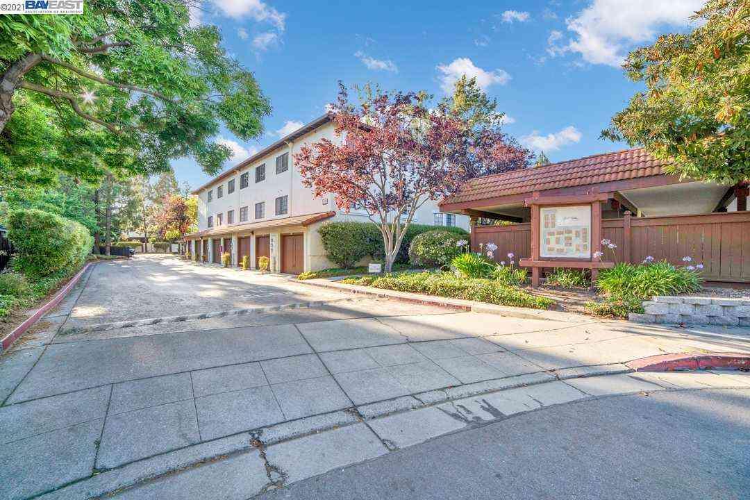 448 Costa Mesa Ter #C, Sunnyvale, CA, 94085,