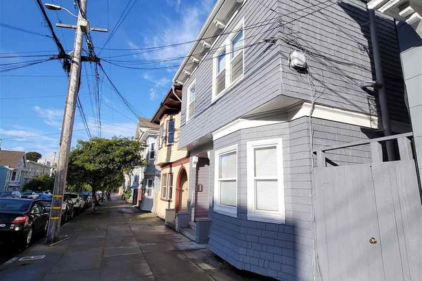 242 20Th Ave