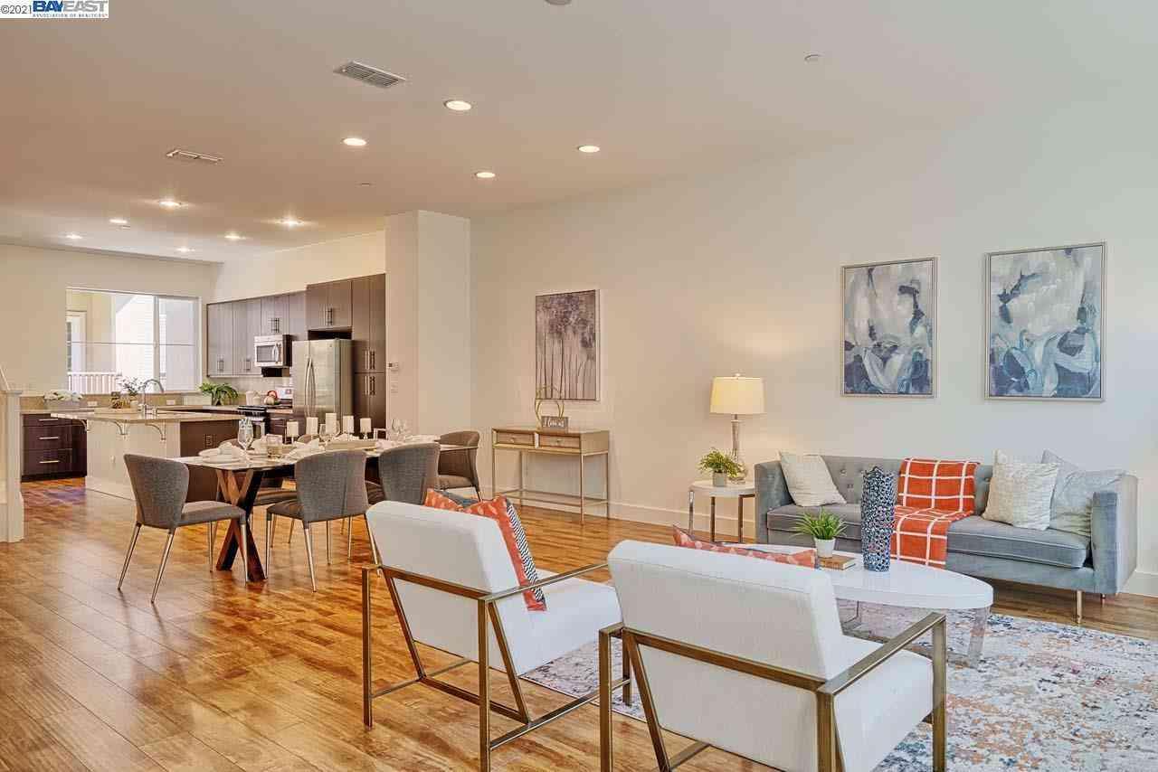 Sunny Living Room, 1308 Bernoulli Pl #5, San Jose, CA, 95132,