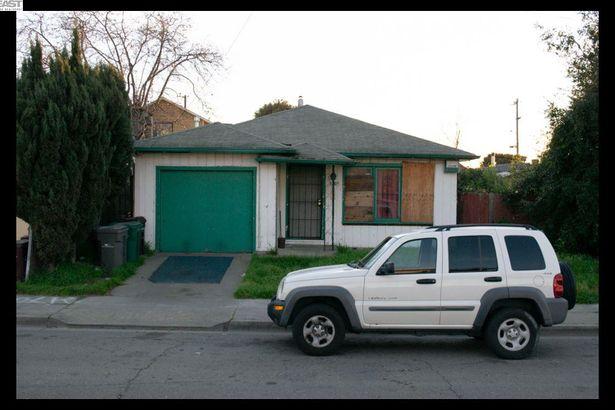 10305 San Leandro St.