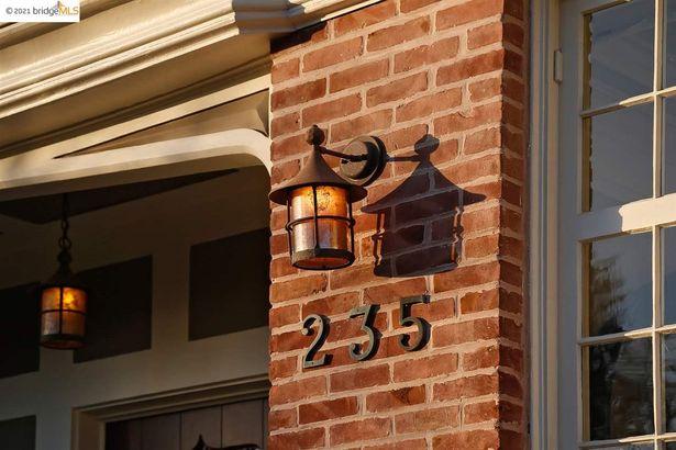 235 Mountain Ave