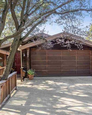 7001 Exeter Dr. Oakland, CA, 94611