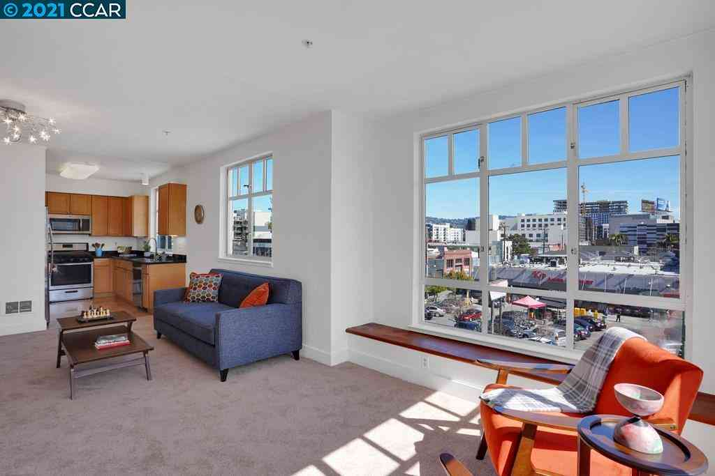 Sunny Living Room, 2407 Telegraph Ave #403, Oakland, CA, 94612,