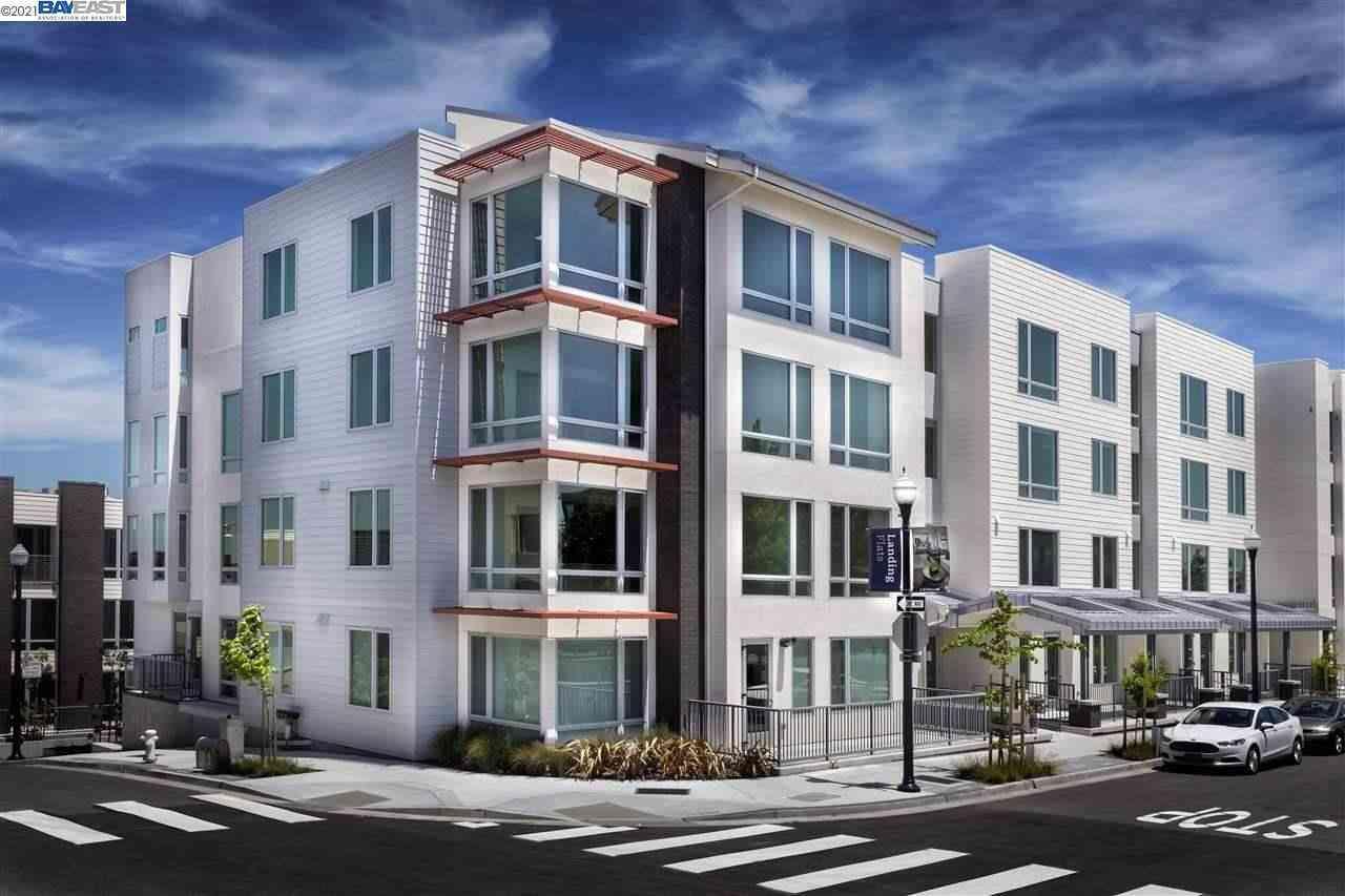 10 Innes Ct #203, San Francisco, CA, 94124,