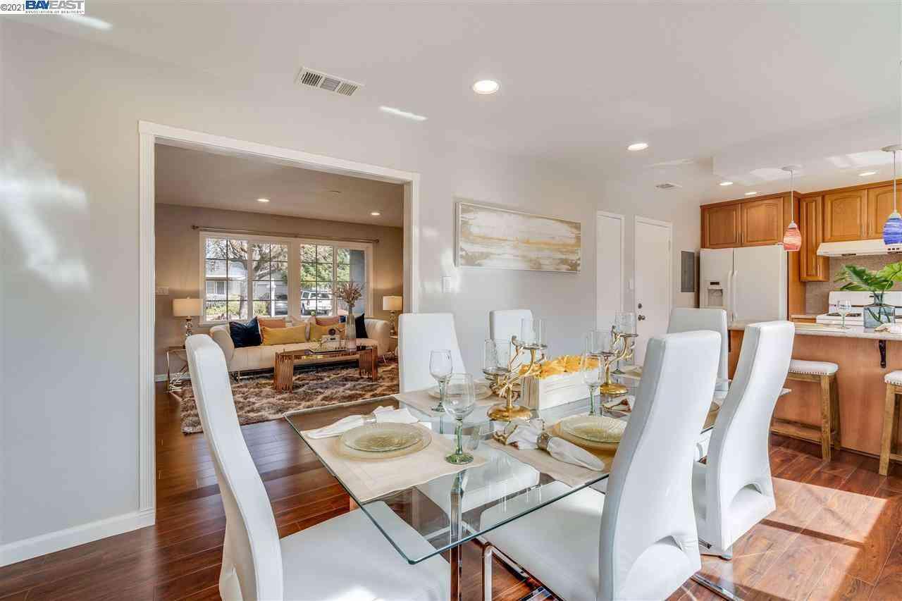Sunny Living Room, 7872 Oxbow Ln, Dublin, CA, 94568,