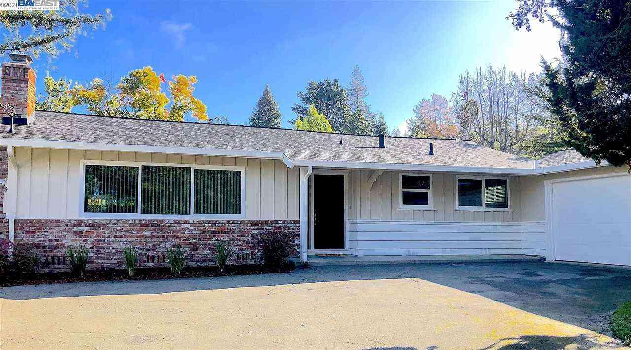1055 Larch Ave, Moraga, CA, 94556,