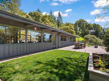 22 Charles Hill Rd, Orinda, CA, 94563,
