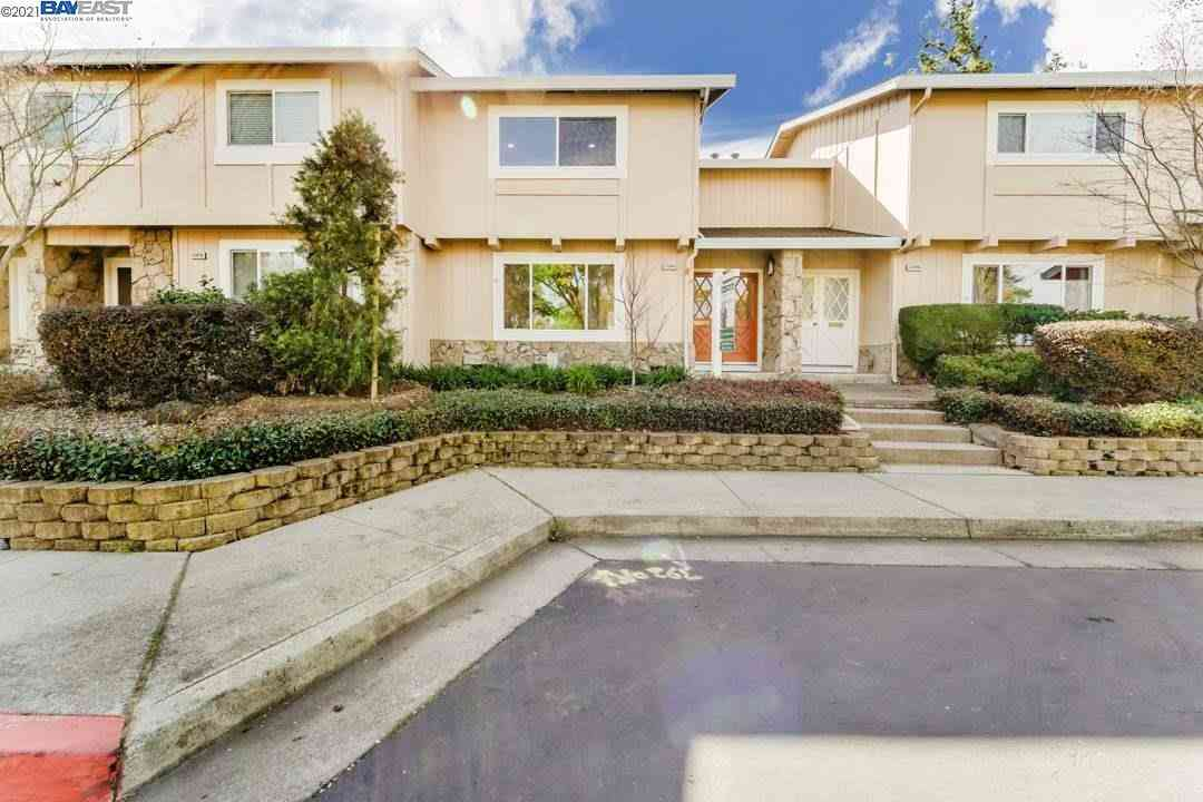 22686 Royal Oak Way, Cupertino, CA, 95014,