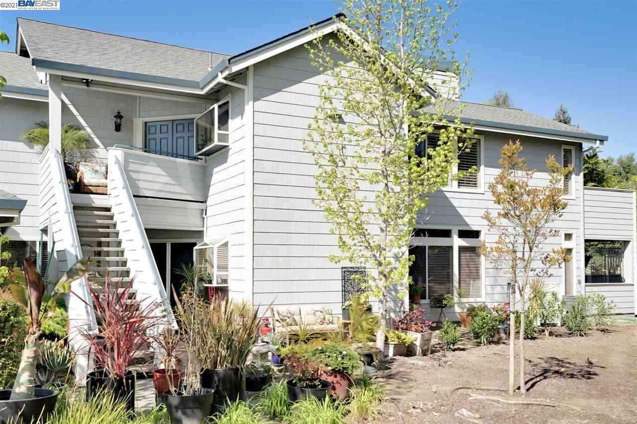 2102 Stonefield Ln, Santa Rosa, CA, 95403,