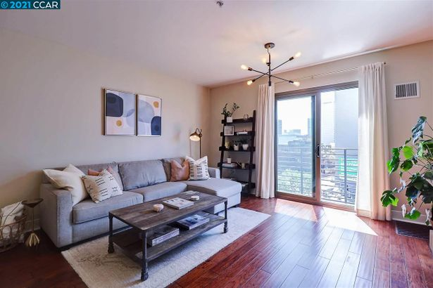 438 West Grand Ave #615