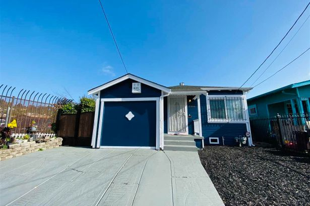 2330 87TH AVE
