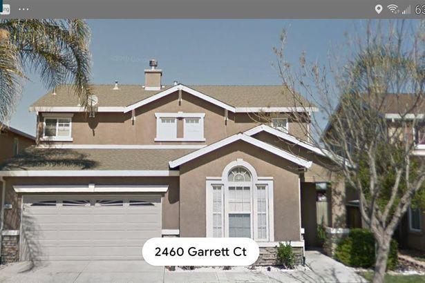 2461 Garrett Ct