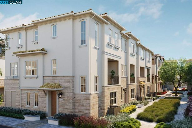 325 Moongold Terrace