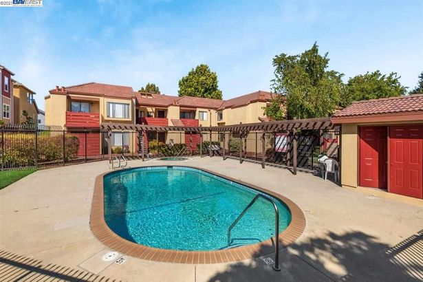 3809 Milton Terrace