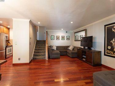 2700 Oak Rd #13, Walnut Creek, CA, 94597,