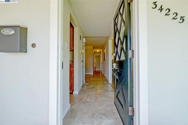 34225 Whitehead Lane