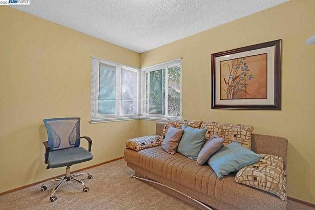39033 Applegate Terrace