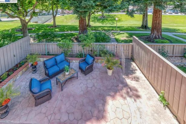 7228 Valley View Ct