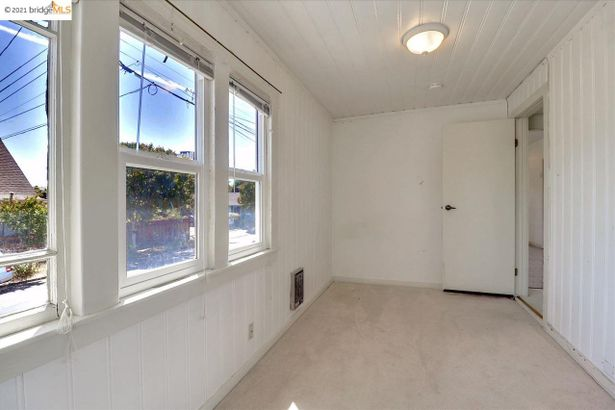 2301 Coolidge Ave