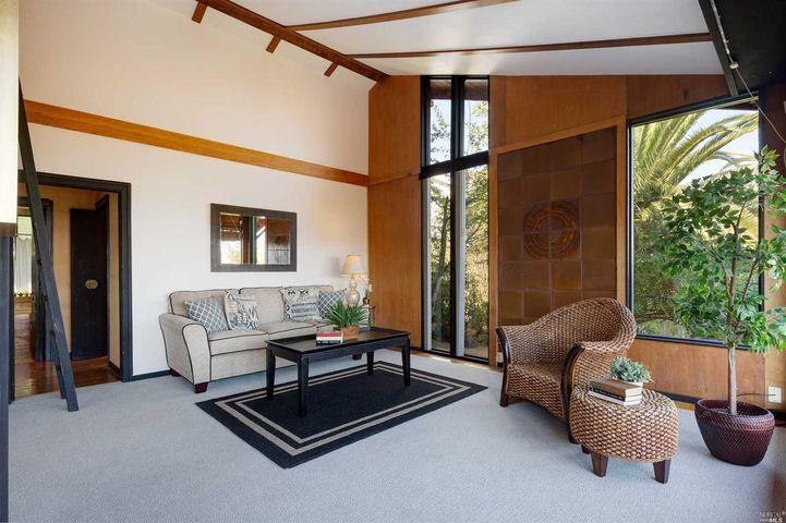 430 Redwood Avenue