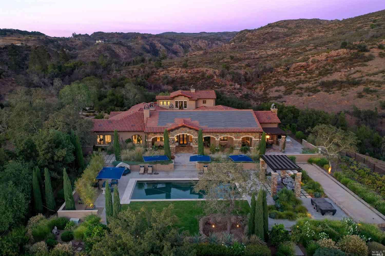 600 Alta Mesa Place, Napa, CA, 94558,