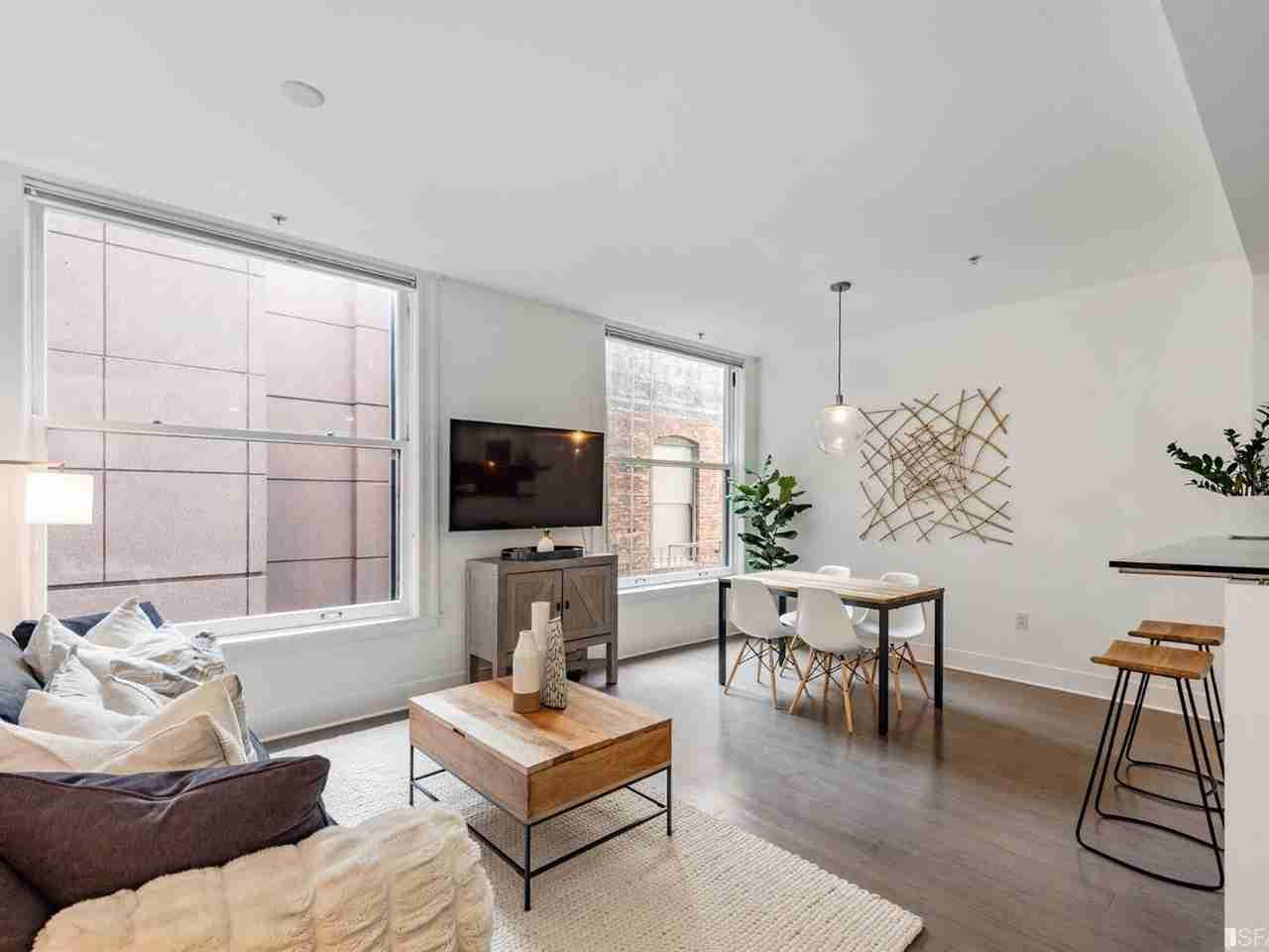 Living Room, 74 New Montgomery Street #307 San Francisco, CA, 94105