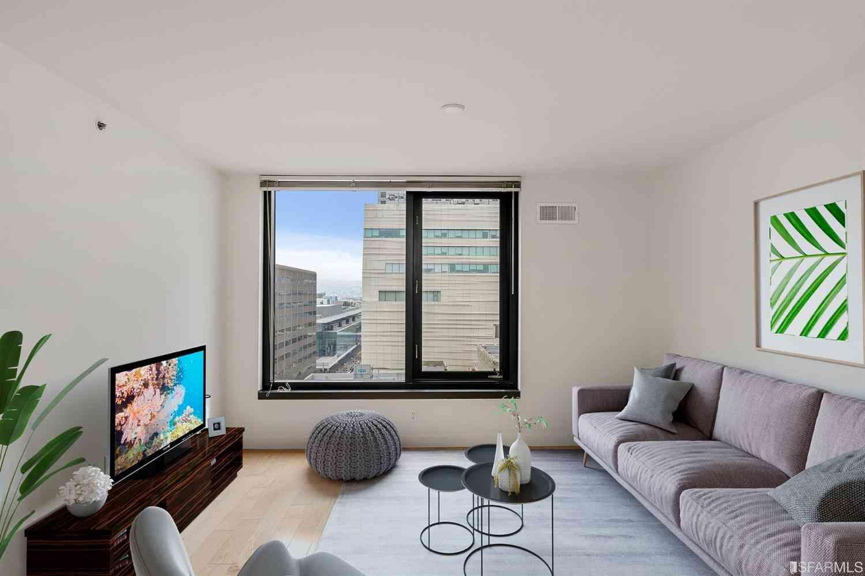 Sunny Living Room, 199 New Montgomery Street #1503, San Francisco, CA, 94105,
