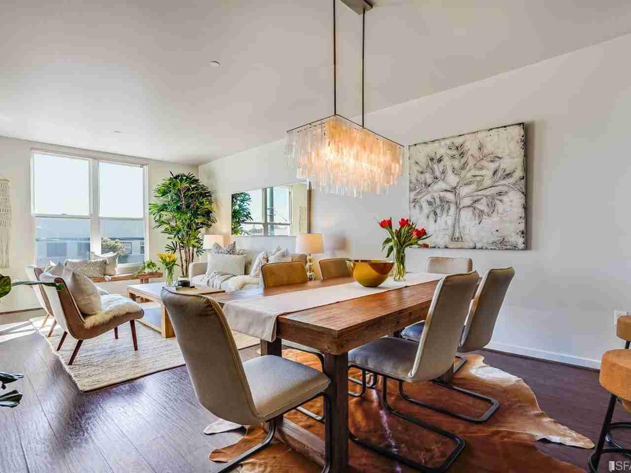 Sunny Living Room, 5900 3rd Street #2215 San Francisco, CA, 94124