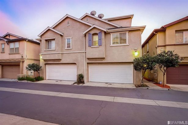 463 Crespi Place