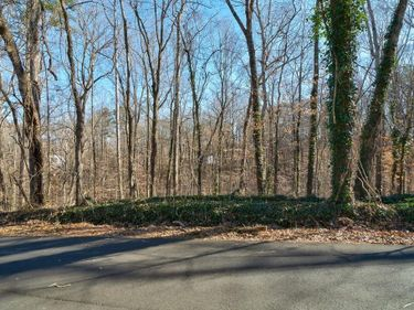 000 W Lake Drive, Mountain Park, GA, 30075,