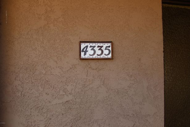 4335 N WILLOW Road