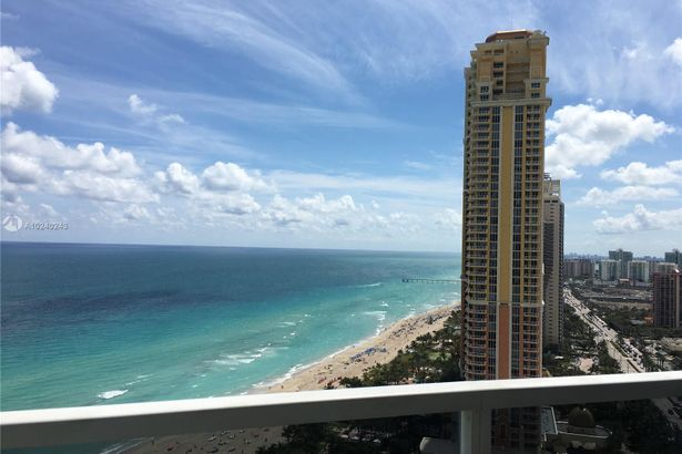 18001 Collins Ave #2312