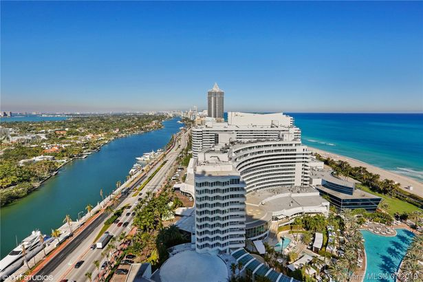4401 COLLINS AVE #240507