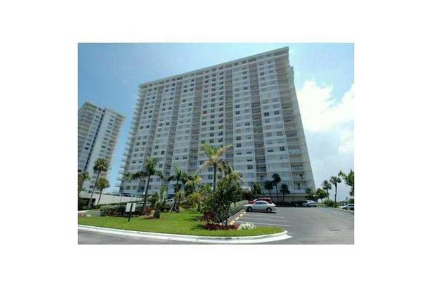 500 BAYVIEW DR #919