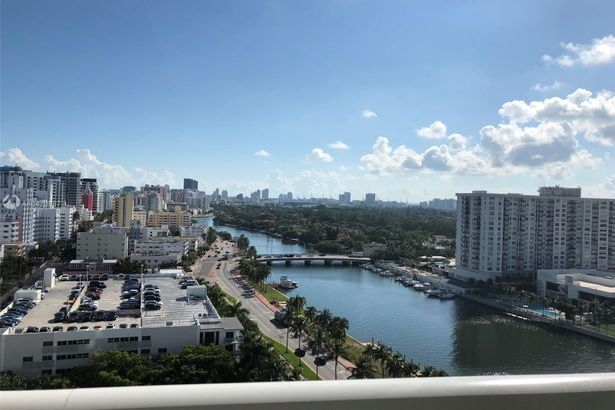 4401 Collins Ave #1612