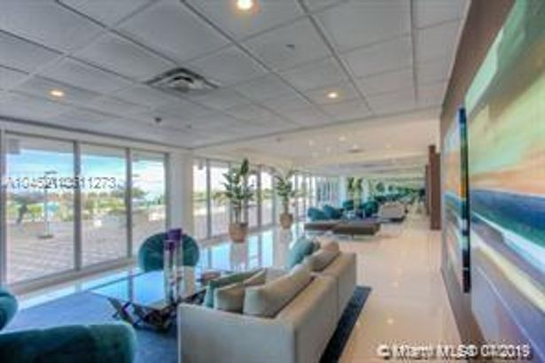 5701 Collins Ave #309