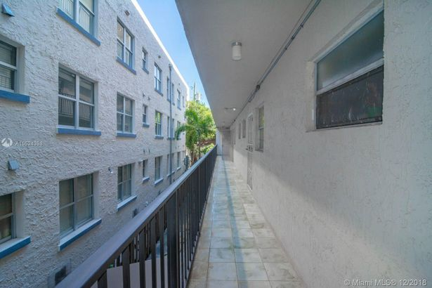 1605 Meridian Ave #203