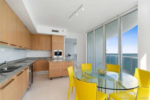 16001 Collins Ave. #1401
