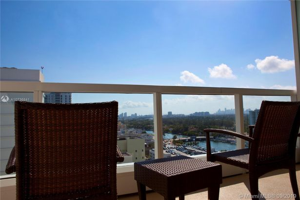 4391 Collins Ave #1913