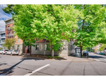 2109 NW IRVING #204, Portland, OR, 97210,