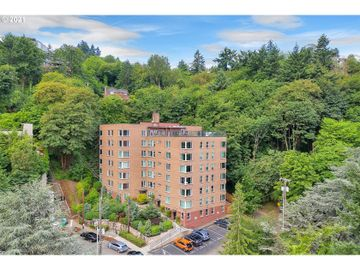 1205 SW Cardinell #406, Portland, OR, 97201,