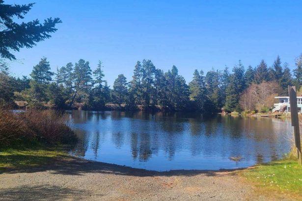 0 Saunders Lake
